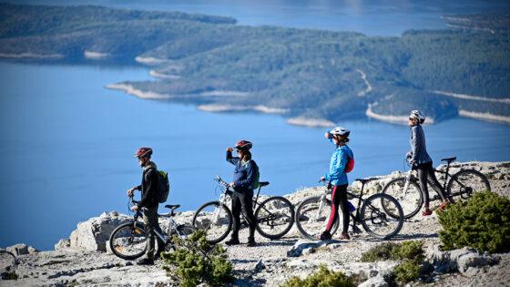 Biking Island od Brac